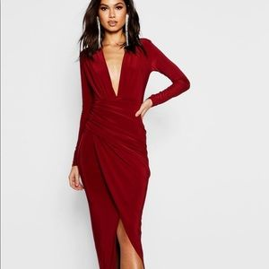 Boohoo plunge ruched maxi dress size 10 NWT